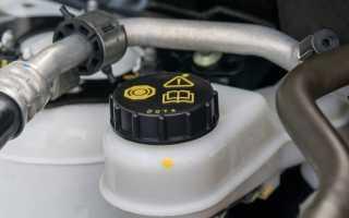 Можно ли смешивать тормозную жидкость разных производителей?